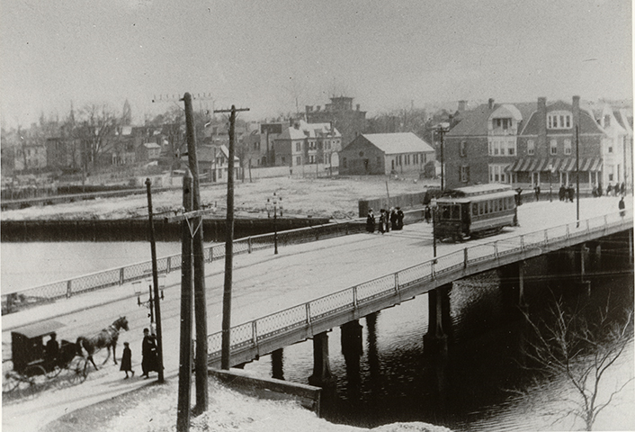 1950, Norfolk, VA, snowy bridge over the Hague
